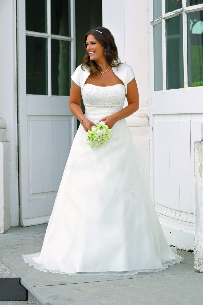 a4fe925000d Ladybird Introduces 2018 Plus Size Collection - Bridal Times
