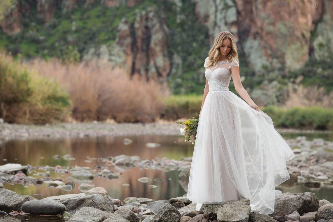Timeless Elegance of Justin Alexander\'s 2018 Campaign - Bridal Times