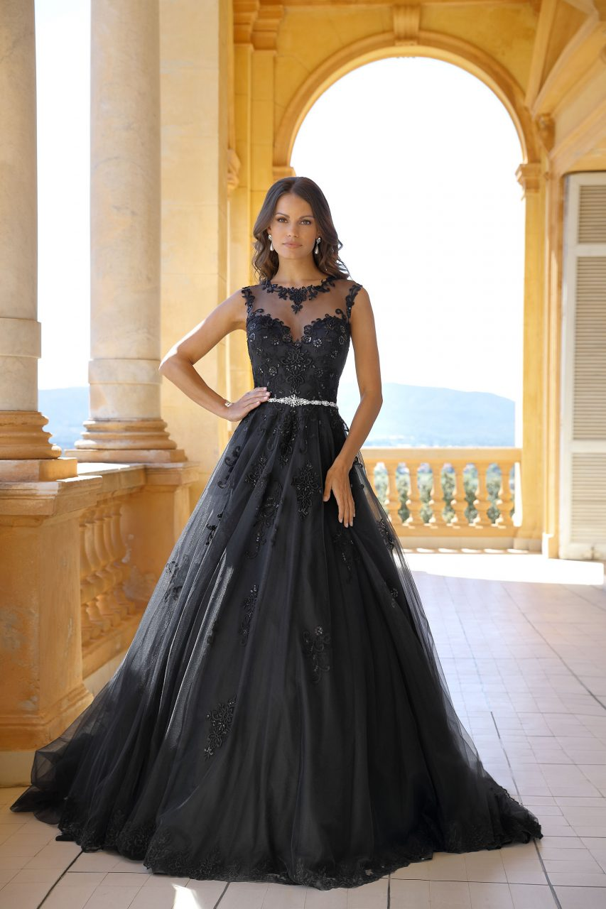 Stunning and Magical  The Black Wedding Dress   Bridal Times